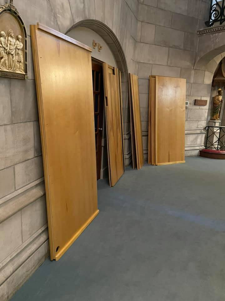 Wall panels for the organ chambers